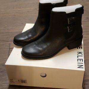 Anne Klein Black Leather Bootie 8M in box